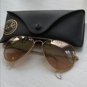 Ray-Ban Accessories - Ray-ban aviator sunglasses 😎